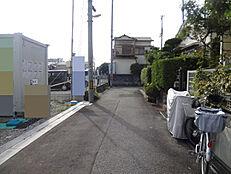 猪名寺駅まで徒歩4分で、通勤便利です。