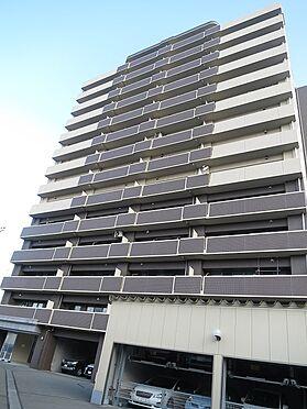 マンション(建物一部)-会津若松市中央3丁目 落ち着きのある色のタイル貼りです