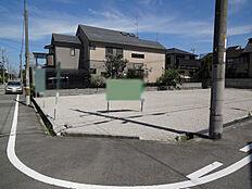 阪急武庫之荘駅徒歩12分。全3区画からなる分譲地です。
