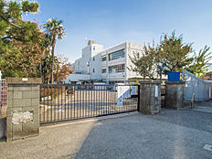 狛江市立狛江第三小学校 距離800m