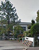 中学校紀見東中学校まで584m