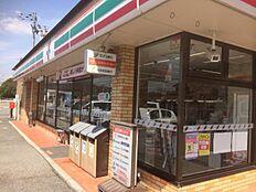 セブンイレブン 姫路六角店 約240m