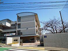 垂水東中学校 徒歩7分(490m)