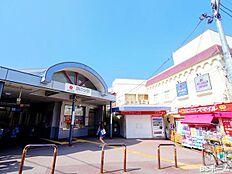 -旗の台駅-徒歩3分で大井町線、池上線の2路線利用できる旗の台駅。駅周辺の商店街は人通りも多く活気のある駅です。スポーツジムや病院といった施設も充実しており生活しやすい環境です。