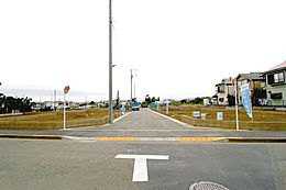 6mの新設開発道路が現場に開放感を演出します。