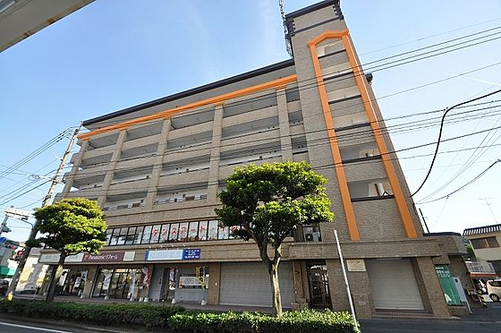 ビル(建物全部)-北九州市小倉南区徳力7丁目 オレンジ色がアクセントでお洒落な外観