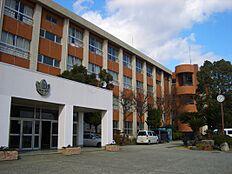 中学校有功中学校まで1896m