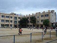 小学校西脇小学校まで719m