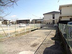 JR猪名寺駅徒歩11分。駅徒歩圏の売土地です。更地ですよ。