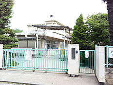 小山小学校 約532m