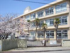 平岡南小学校