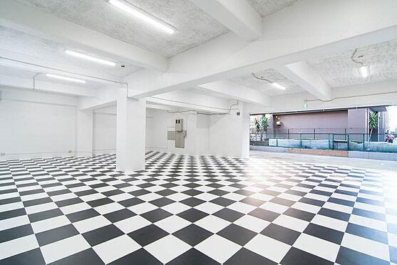 マンション(建物一部)-江東区三好4丁目 前面10mと広さがあるのでガレージとしても最適な立地(1F)
