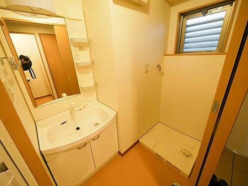 マンション(建物全部)-東広島市高屋町杵原 洗面所に換気用の窓を設置