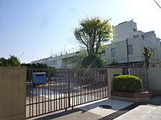 中学校立川市立第六中学校まで908m