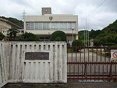 大白書中学校