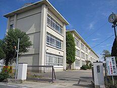 龍野西中学校