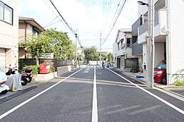 前面道路(2016年9月撮影)