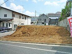 前面道路が幅員6mあるので車庫入れもノンストレスです。
