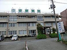 病院 約533m