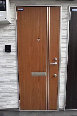アパート-小金井市本町5丁目 玄関扉はダブルロックで防犯性あり