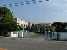 小学校池田小学校まで414m