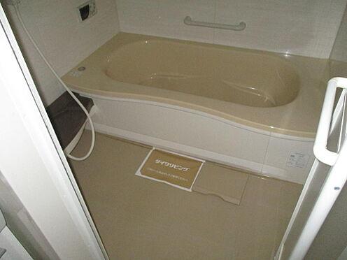 アパート-防府市岩畠2丁目 広い浴室です。