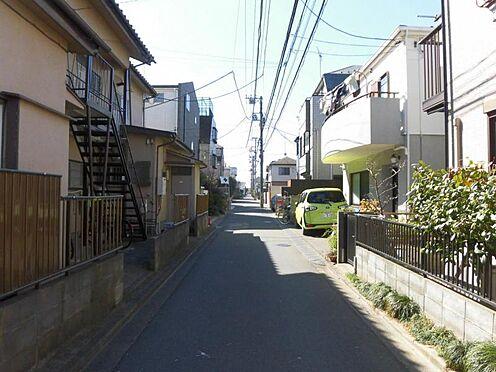 アパート-世田谷区玉堤1丁目 前面道路(西側)と周辺環境
