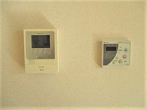 アパート-防府市岩畠2丁目 TVモニター付きインターフォン。お風呂には追い炊き機能も付いてます。