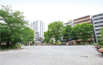 柳田公園 約140m(徒歩2分)