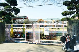 府中白糸台幼稚園 約640m(徒歩8分)