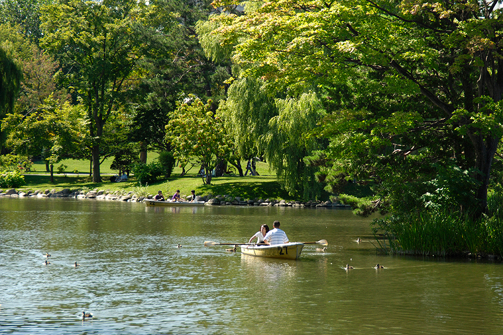 中島公園 約800m(徒歩10分)
