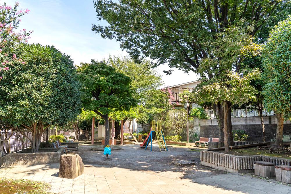 羽沢ふじ公園 約750m(徒歩10分)