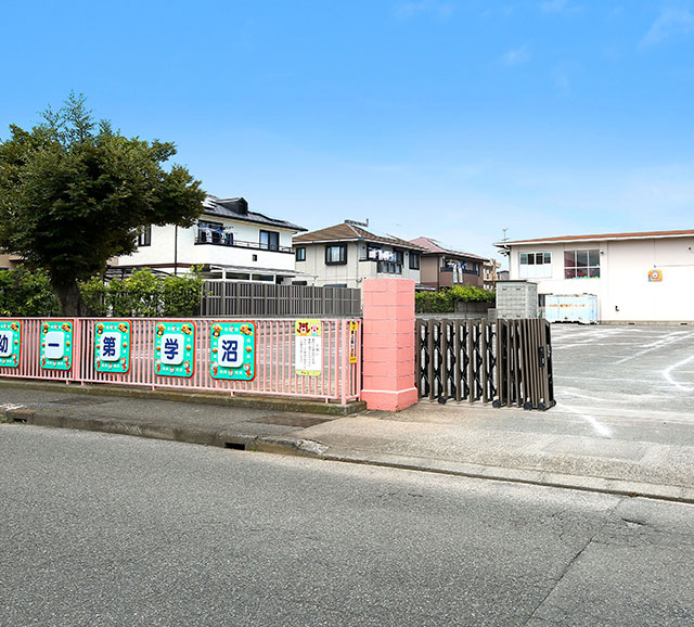 沼津学園第一幼稚園 約700m(徒歩9分)