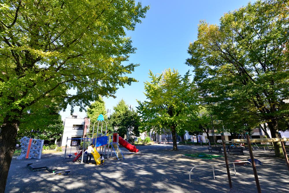 社宮司公園 約10m(徒歩1分)