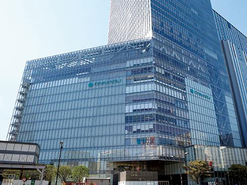大丸東京店※1 約1,660m(徒歩21分)