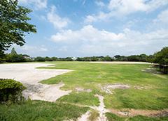太宰府歴史スポーツ公園 約1,080m(徒歩14分)