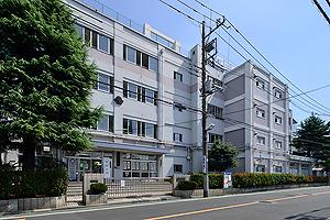 松江第三中学校 約570m(徒歩8分)