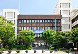江戸川区役所 約650m(徒歩9分)