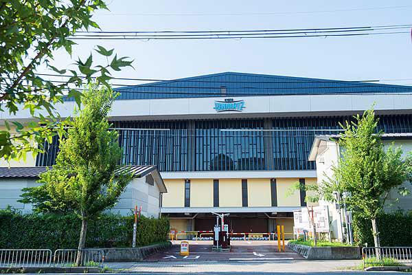 ハンナリーズアリーナ/京都市市民スポーツ会館 約1,370m(徒歩18分)