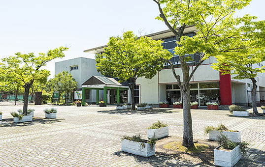 東山公園テニスセンター 約110m(徒歩2分)