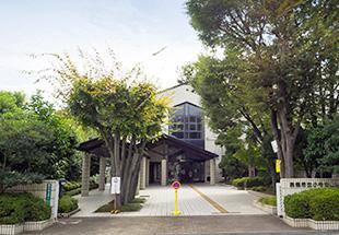 高槻市立小寺池図書館 約890m(徒歩12分)