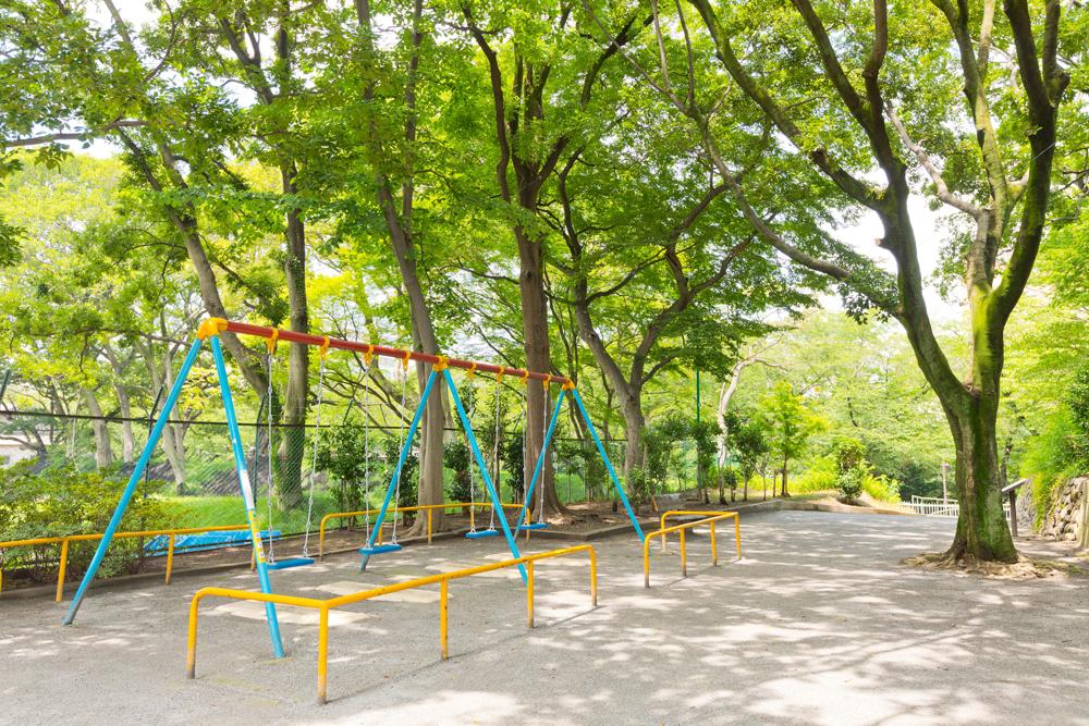 加賀公園 約110m(徒歩2分)