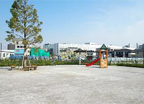 海老名駅東西自由通路 約180m(徒歩3分)