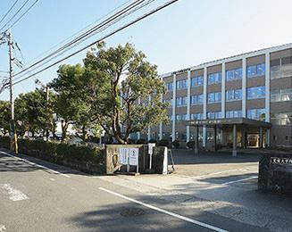 愛媛大学附属高等学校 約1,300m(徒歩17分)