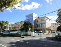 佐賀大学教育学部附属中学校 約1,250m(徒歩16分)