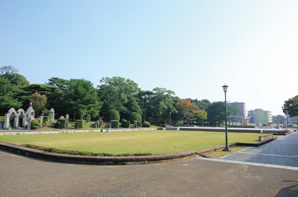 別府公園 約580m(徒歩8分)