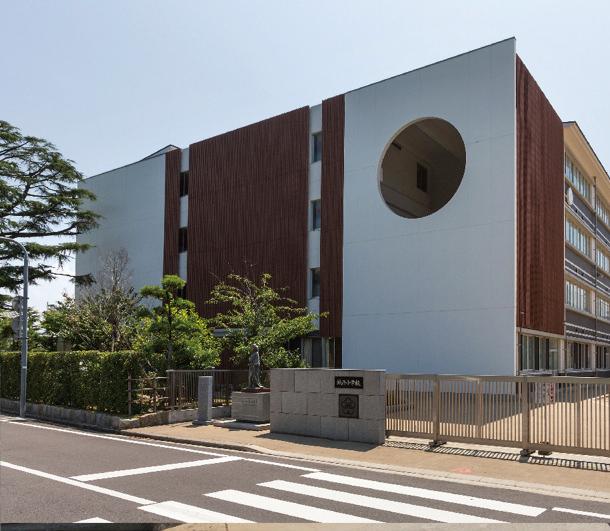 丸亀市立城西小学校 約700m(徒歩9分)