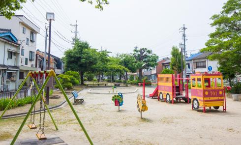上本町公園 約150m(徒歩2分)