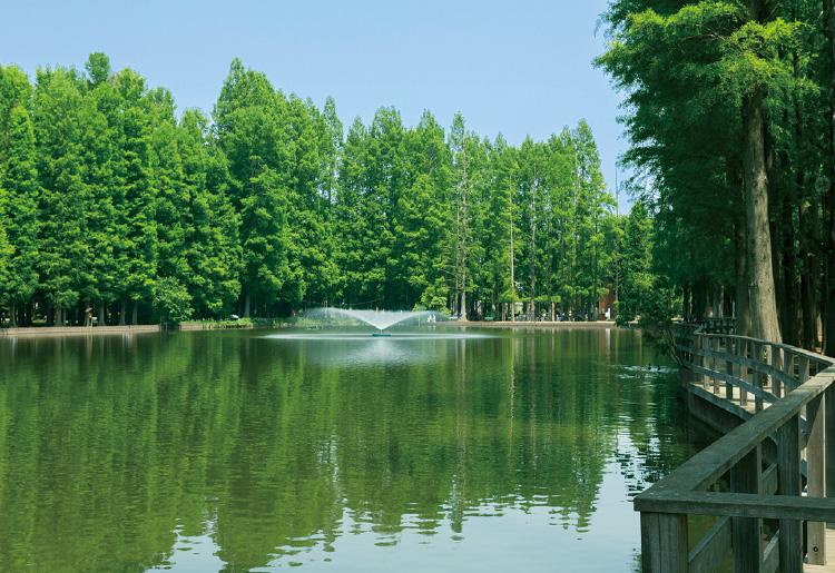 別所沼公園 約770m(徒歩10分)