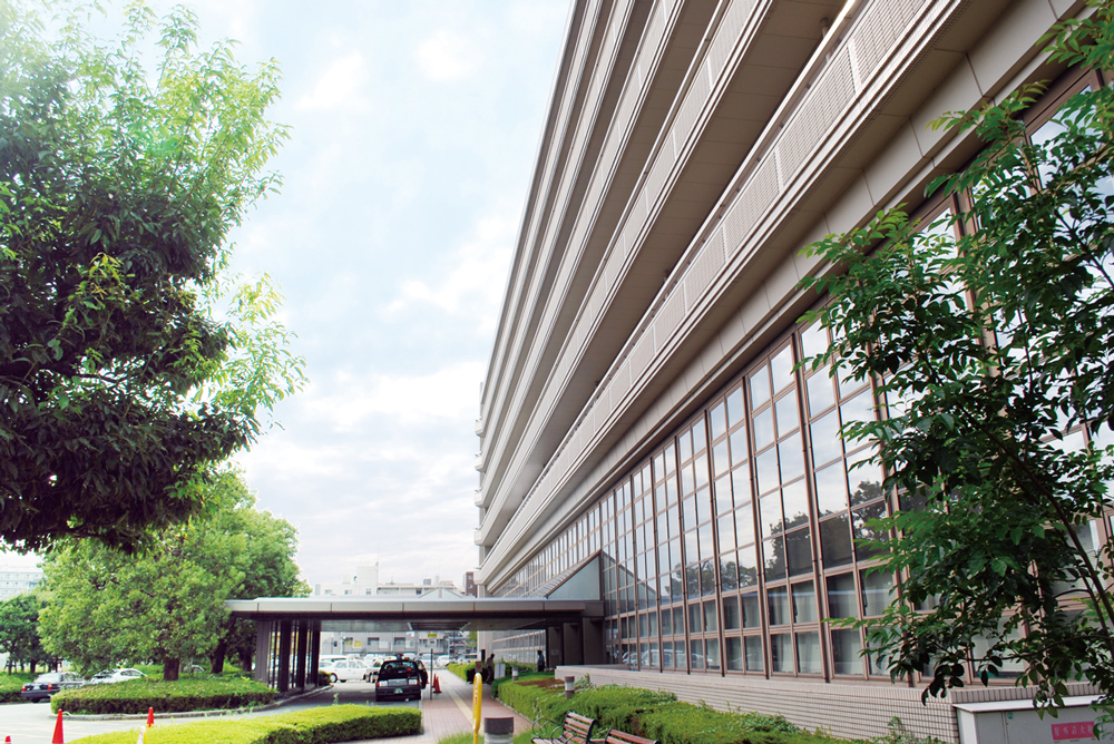 京都市立病院 約370m(徒歩5分)